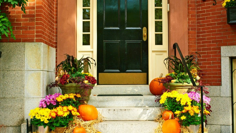 Create A Welcoming Front Porch