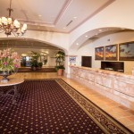 Newly-Remodeled Scottsdale Plaza Resort Says 'Home for the Holidays'