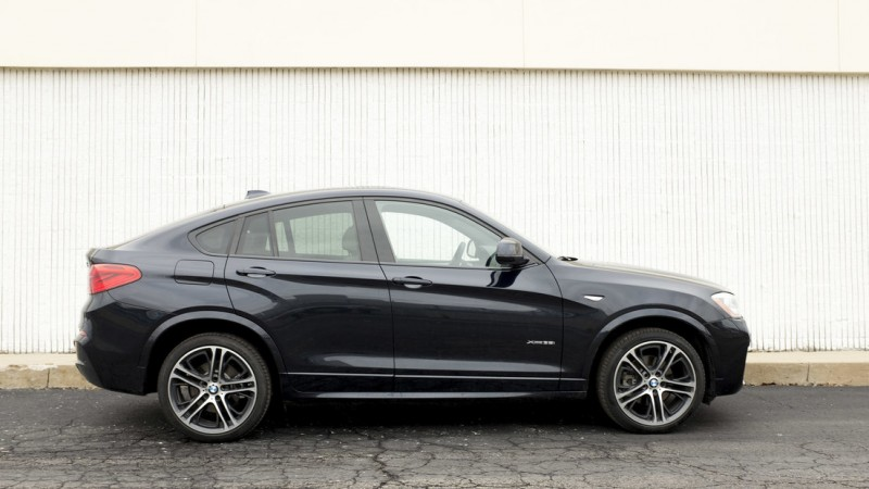 BMW X4 is a Coupe for all Seasons 1