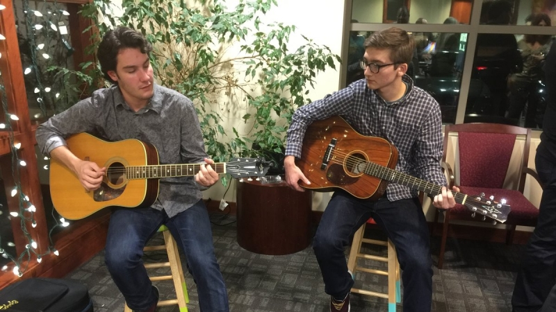 Lindell Bank, on Long Road, Holds Holiday Party 4