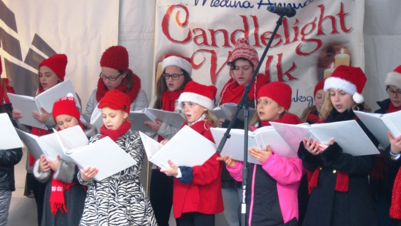 Candlelight Walk Lights Up Medina 9