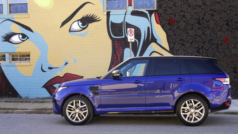 Range Rover Sport SVR Performs like a Sports Car 2