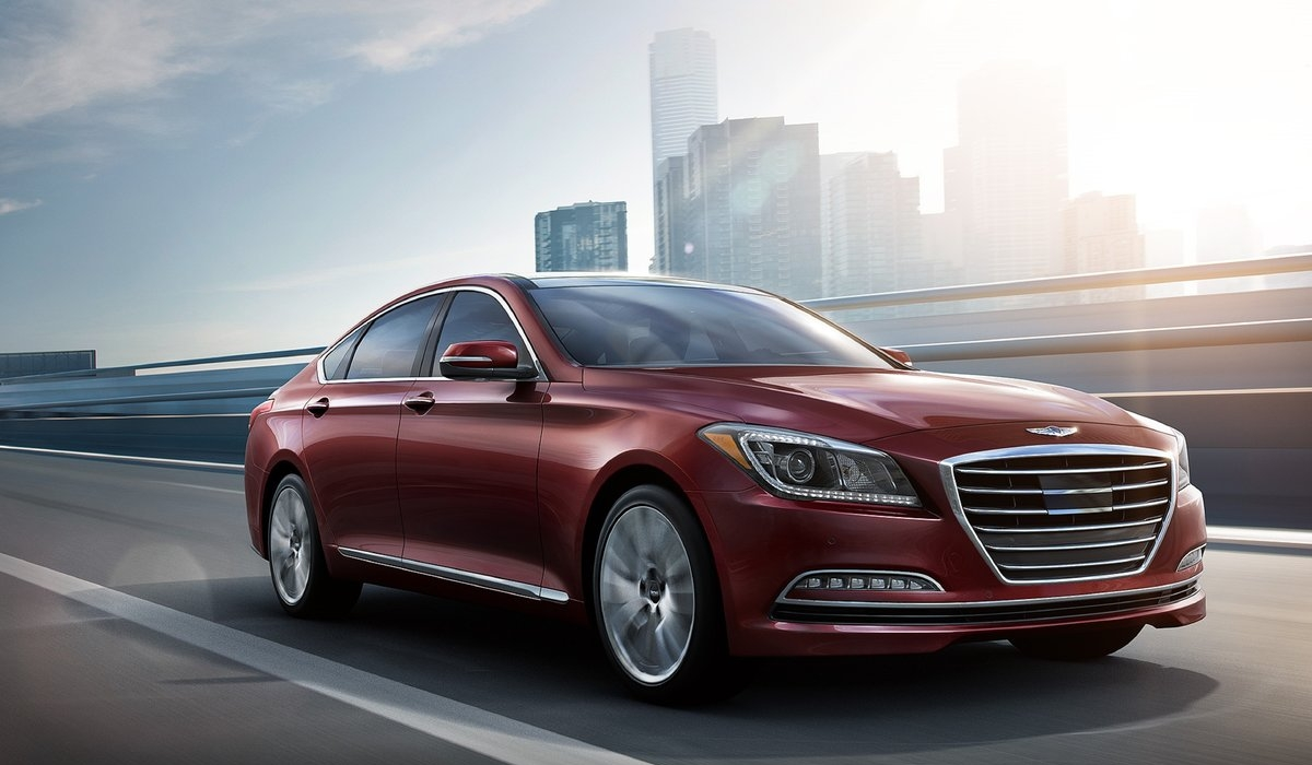Ladin Hyundai at the Thousand Oaks Auto Mall Presents the 2016 Hyundai Genesis