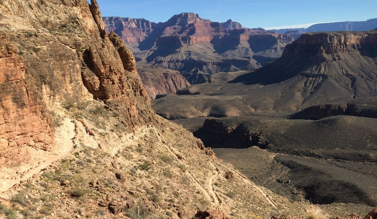 Grand Canyon Hike: Rugged and Rewarding 8