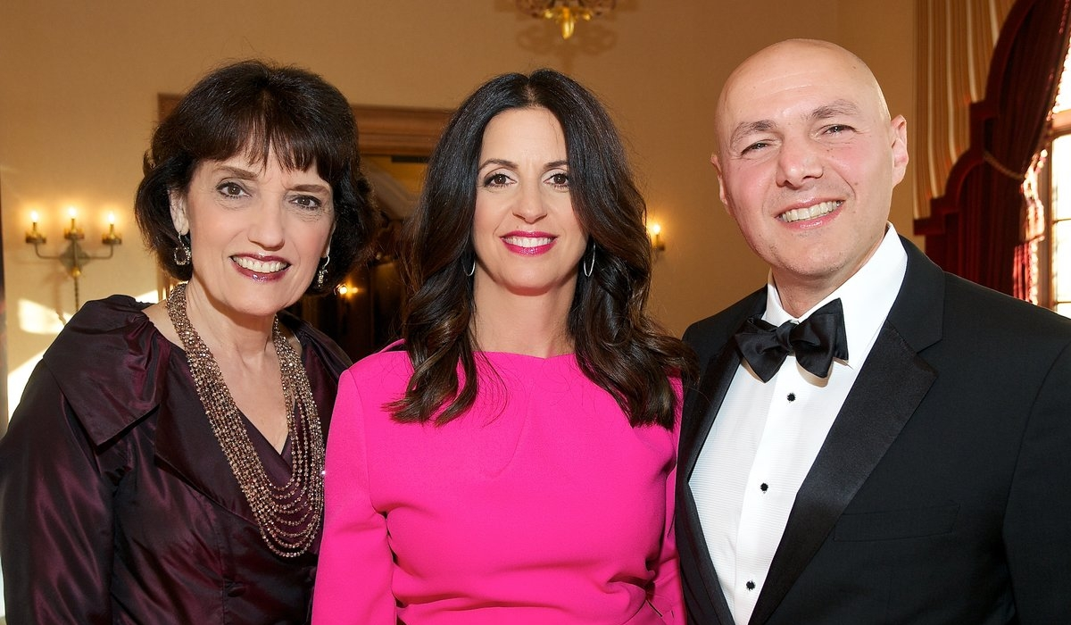 UCSD Spark Gala Ignites Fight Against Cancer 11