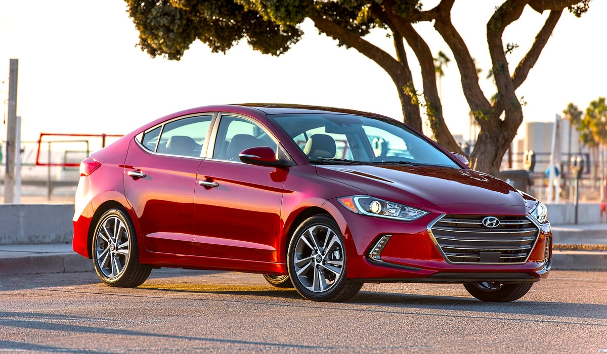 THE 2017 HYUNDAI ELANTRA LIMITED 3
