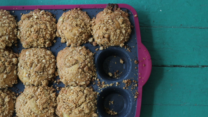 The Best Apple Crumb Muffins 1