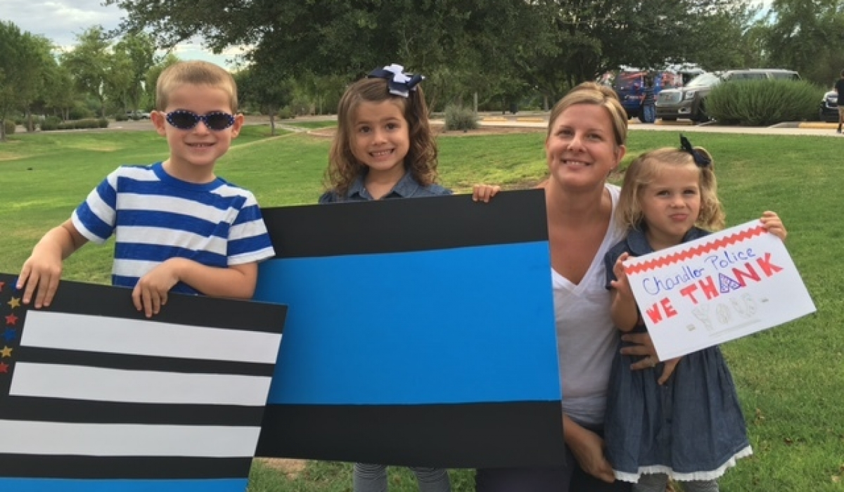 Residents Support Chandler Police Officers 7