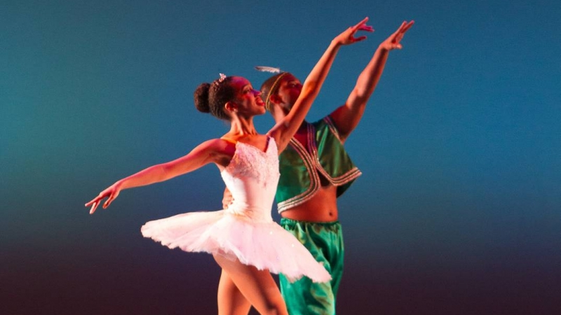 Martine Bartley Excels on Stage and Online 3