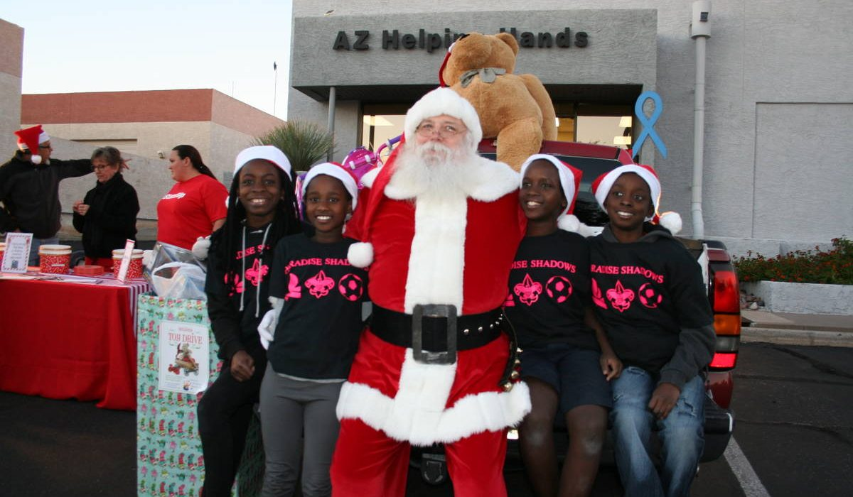 Arizona Helping Hands Holiday Event 4