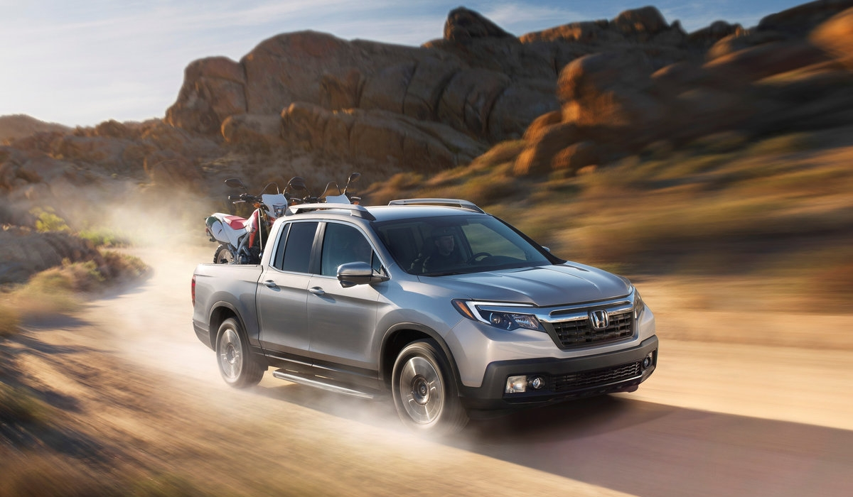 The 2017 Honda Ridgeline AWD RTL-E  3
