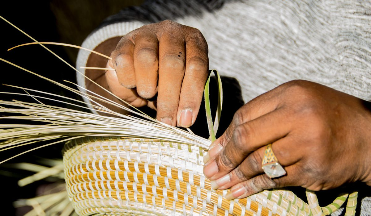 Meet Your Local Sweetgrass Basket Weaver 10