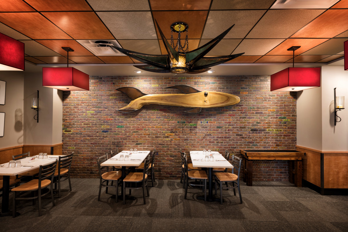 Jax fish house and oyster bar johnson county lifestyle for Jack s fish house