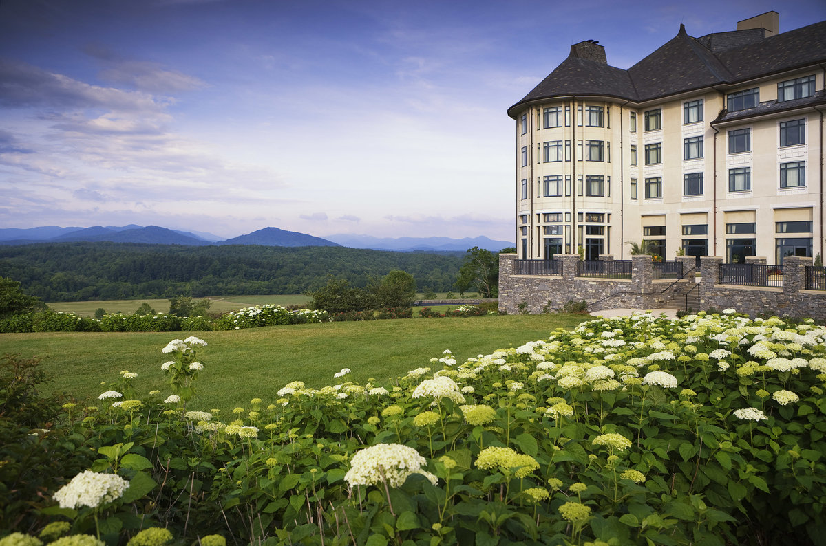 """Take a Road Trip to Visit the Biltmore Blooms and """"Designed for Drama"""" 8"""