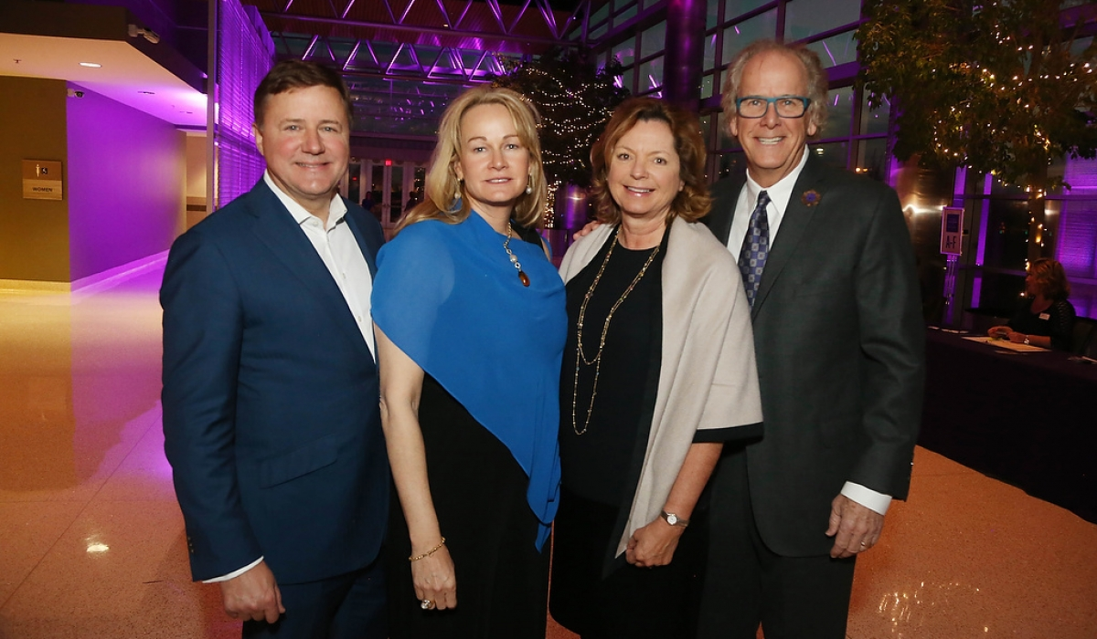 The Alzheimer's Association 22nd Annual Tulsa Memory Gala surpassed it's 2017 fundraising goal. 5