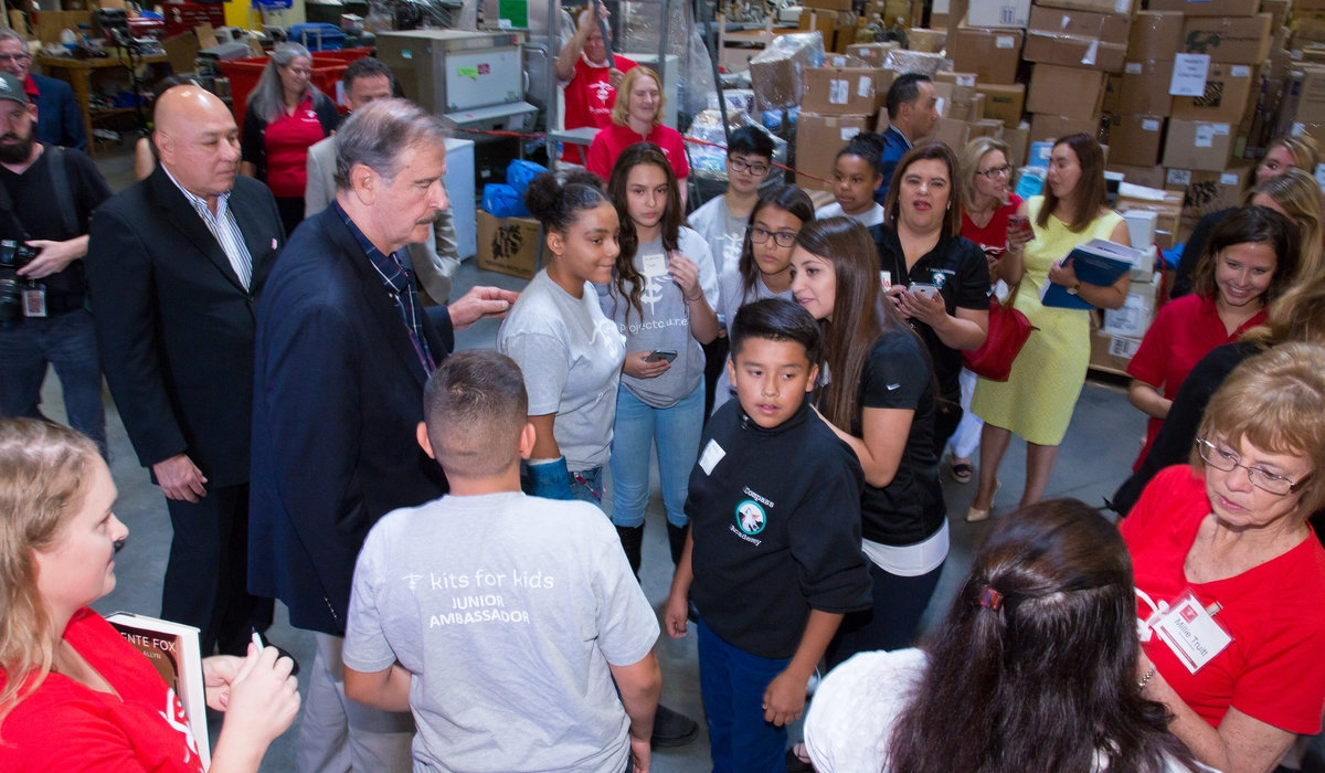 Project C.U.R.E. and Vicente Fox Celebrate Giving 3