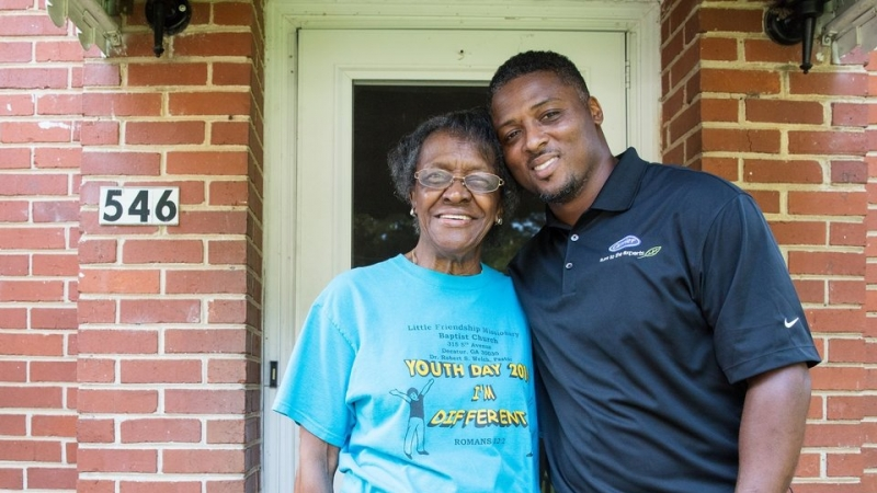 Warrick Dunn: All Pro at Giving Back