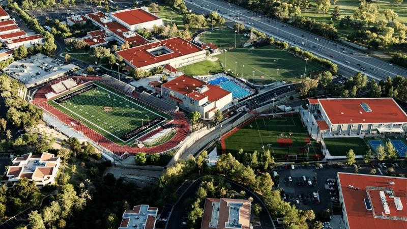 Oaks Christian Students Boast 100% College Acceptance Rate 1