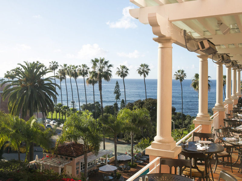 Dining with a View: Restaurants Overlooking the Ocean 2