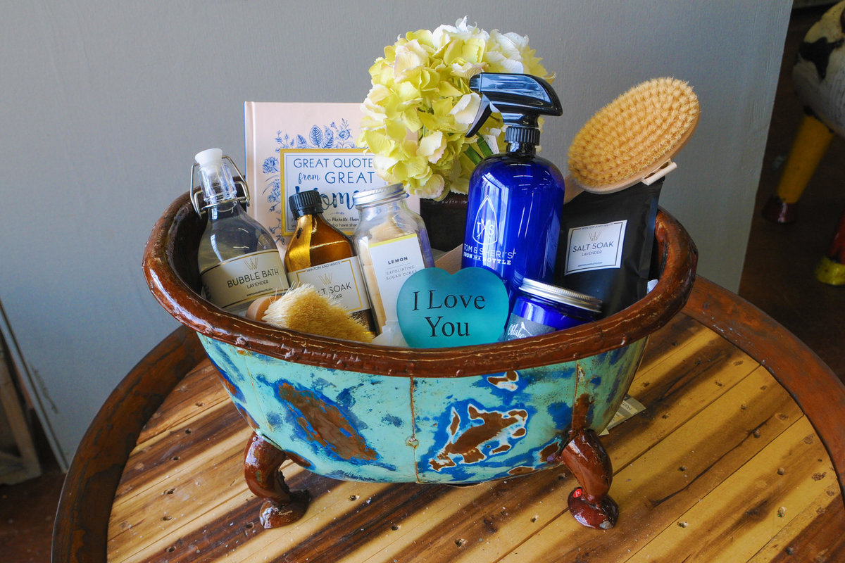 Pamper Yourself with Gift Basket Ideas from Tin Lizzie's