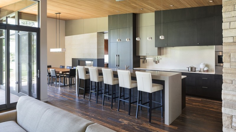 HMH Architecture + Design Transforms a Local Golf Course Home 9